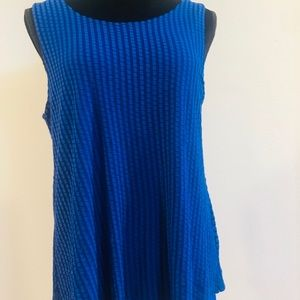 Cable & Gauge sleeveless Top Size Large